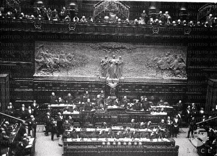 Discorso Camera Mussolini : 3 gennaio 1925 u2013 mussolini assume i poteri dittatoriali u2013 oggi nella